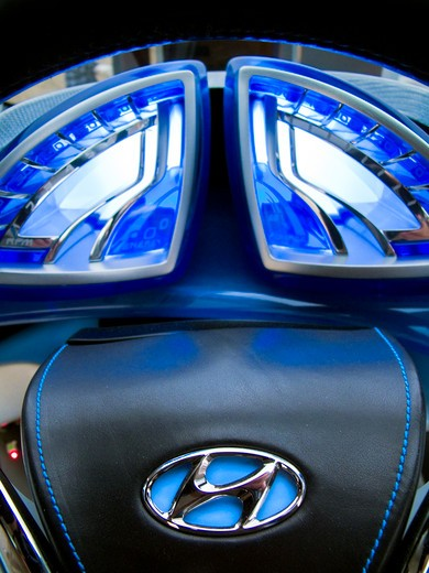 2009 Hyundai HCD-11 Nuvis Concept car, steering wheel close-up : Stock Photo