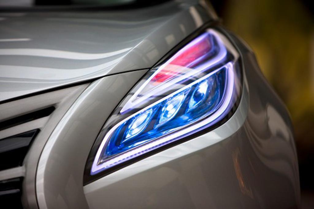 2009 Hyundai HCD-11 Nuvis Concept car headlight, close-up : Stock Photo