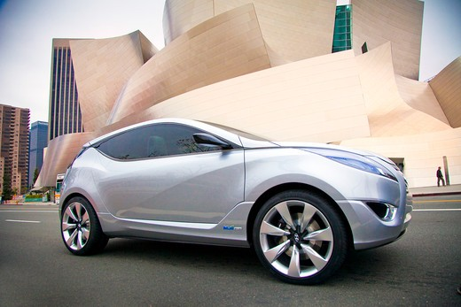 2009 Hyundai HCD-11 Nuvis Concept car parked on road in city, side view : Stock Photo