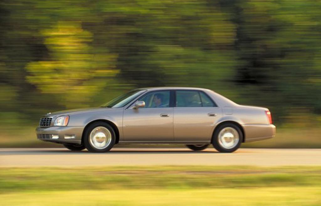 Stock Photo: 4093-7409 2002 Cadillac DTS2 Silver
