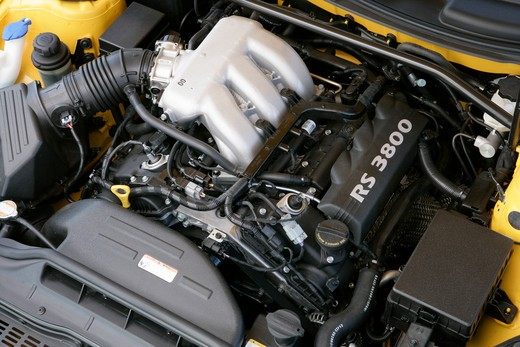 Stock Photo: 4093-8472 2010 Hyundai Genesis engine, close-up