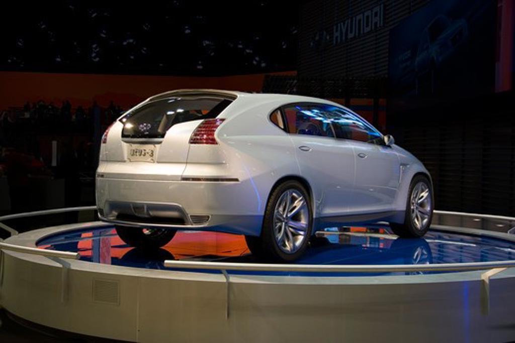 Hyundai Neos 3 silver : Stock Photo