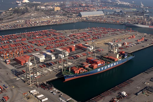 Stock Photo: 4093R-2234 Hyundai container facility, Long Beach, Ca.