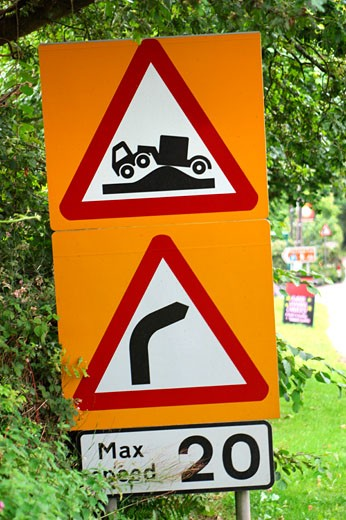 England Speed Bump trucks Right Curve Max Speed 20 speed limit street : Stock Photo