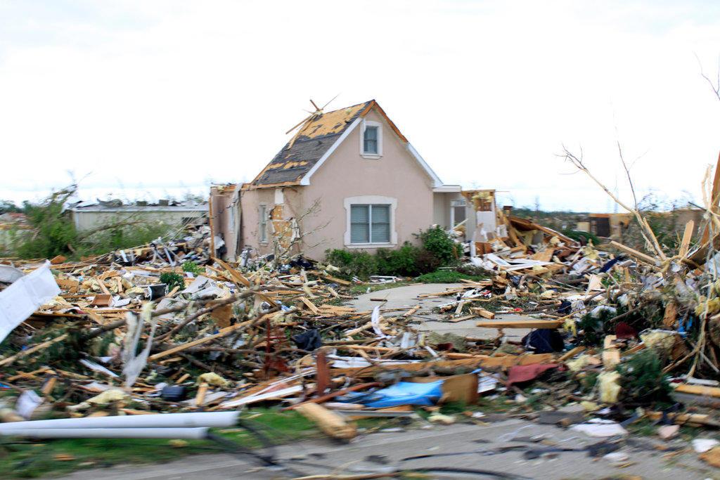 Damaged home after a storm ravaged, Limestone County, Alabama, USA : Stock Photo