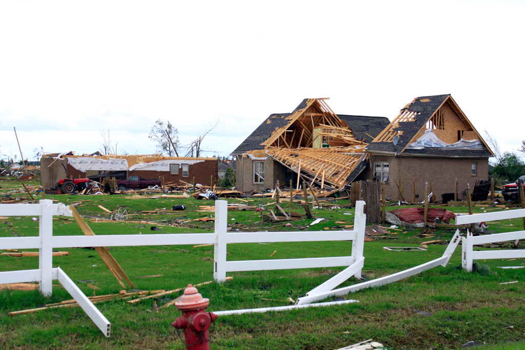 Homes and fence destroyed by storms, Limestone County, Alabama, USA : Stock Photo