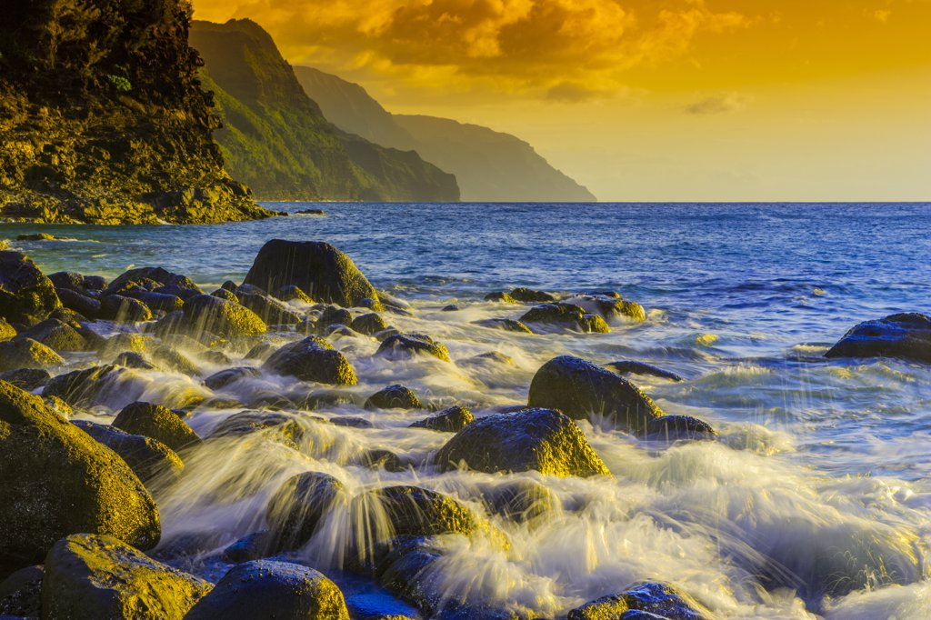 Rock formations on the coast, Na Pali Coast, Kauai, Hawaii, USA : Stock Photo