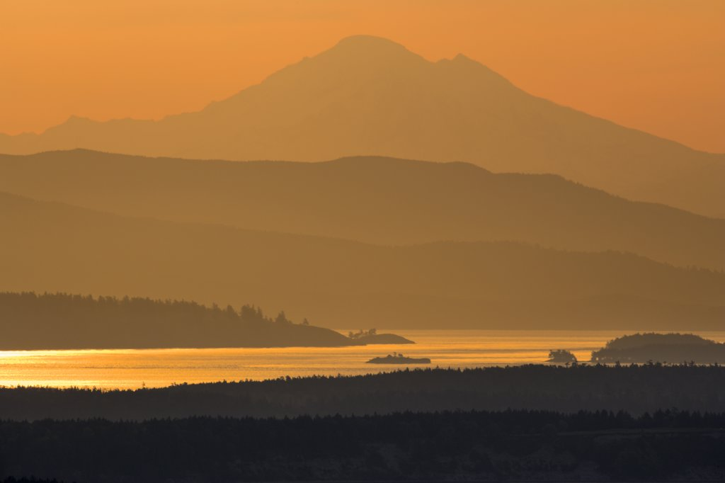 Mountain peak viewed from Malahat, Mt Baker, Finlayson Arm, Saanich Peninsula, Vancouver Island, British Columbia, Canada : Stock Photo