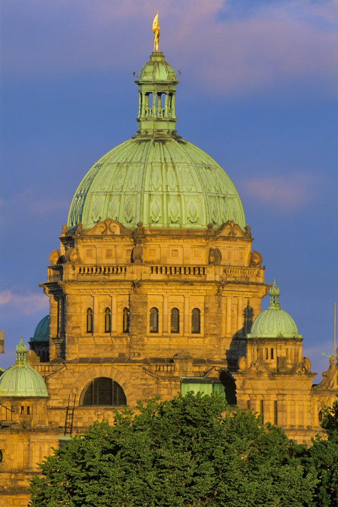 Stock Photo: 4097-1543 High section view of a parliament building, Victoria, British Columbia, Canada