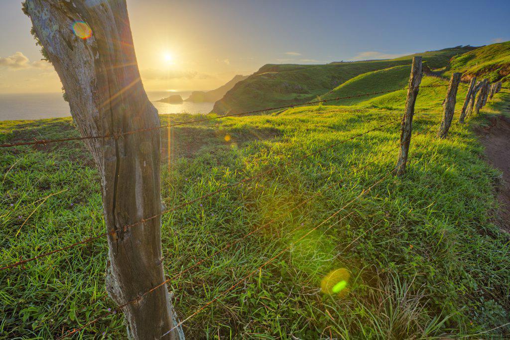Stock Photo: 4097-1766 Fence at sunrise, Poelua Bay, Maui, Hawaii, USA