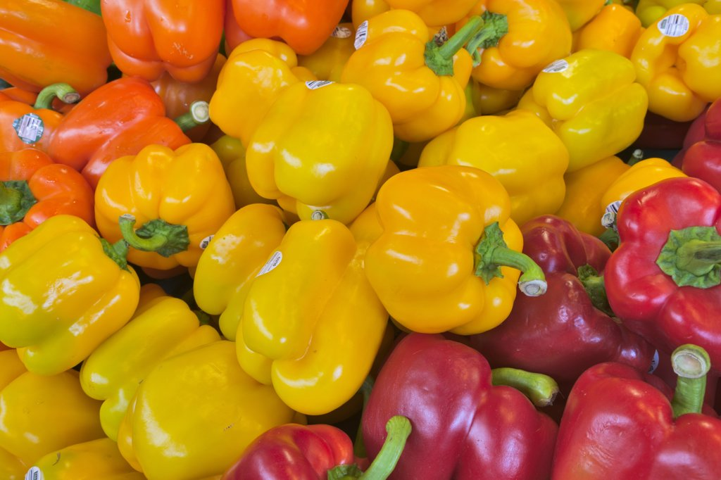 Stock Photo: 4097-2565 Close-up of bell peppers at a market stall, Granville Island, Vancouver, British Columbia, Canada