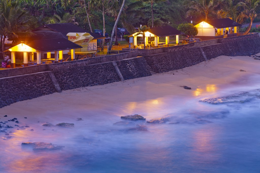 Stock Photo: 4097-3499 Beach huts on the beach, Hookipa Beach, Maui, Hawaii, USA
