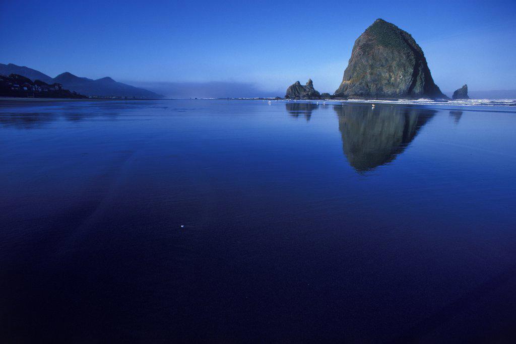 Stock Photo: 4097-3625 Haystack Rock in the ocean, Cannon Beach, Oregon Coast, Oregon, USA