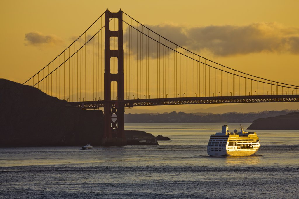 Stock Photo: 4097-3736 Cruise ship passing under the Golden Gate Bridge, San Francisco Bay, San Francisco, California, USA