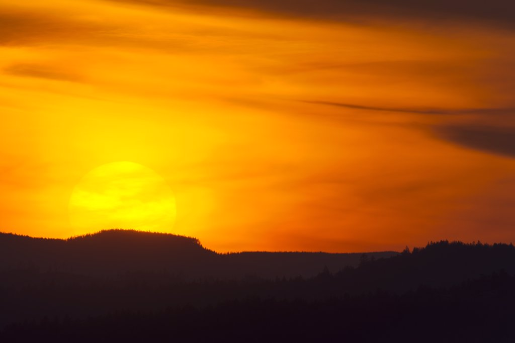Sunset over mountains, Highlands, Saanich Peninsula, Victoria, British Columbia, Canada : Stock Photo