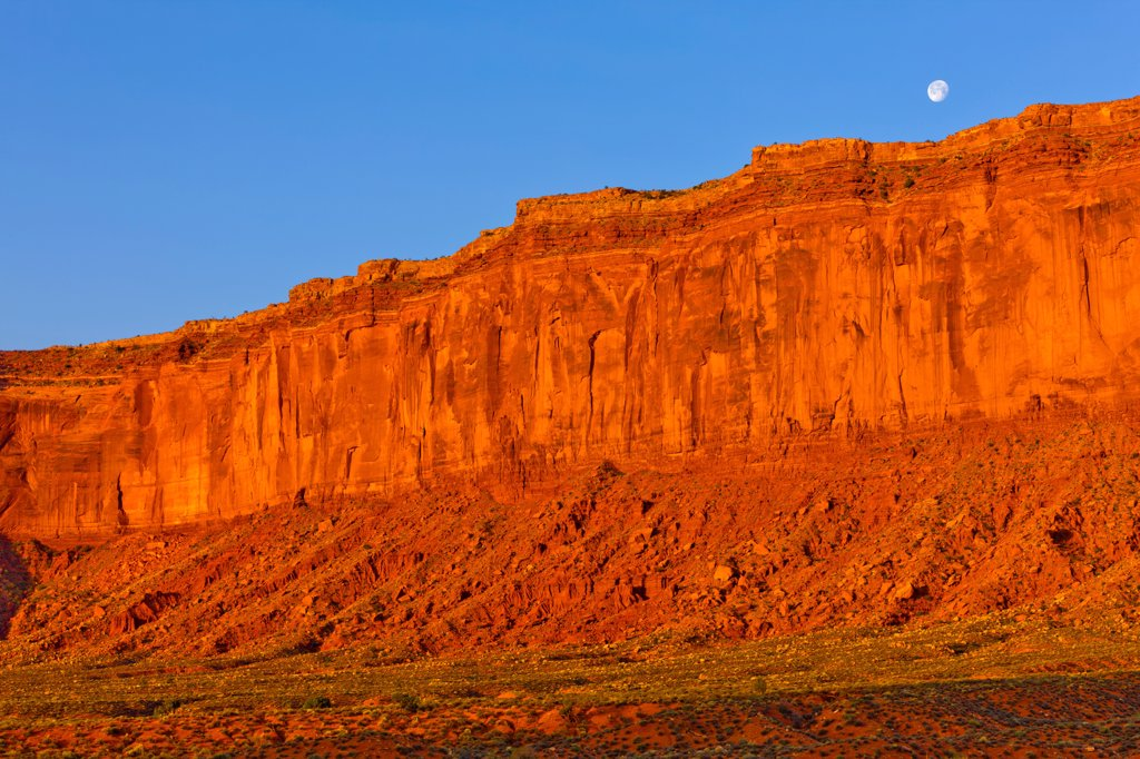 USA, Arizona, Monument Valley, Dawn and moonset over rocks : Stock Photo