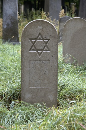 Star of David engraved on a tombstone, Zentralfriedhof, Vienna, Austria : Stock Photo
