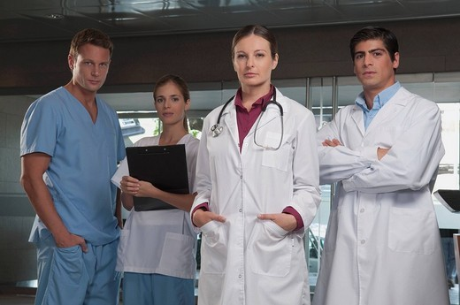 Stock Photo: 4105-5763 Portrait of doctors and nurses