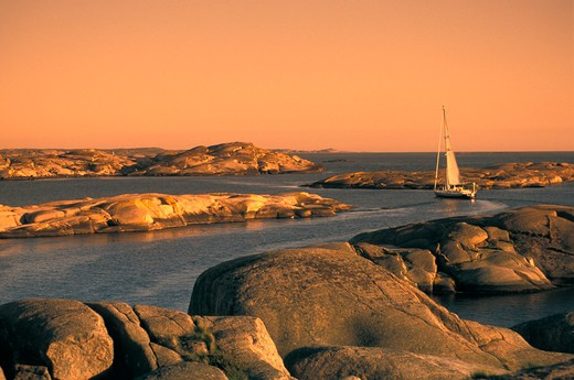 Cruising the rocky waterways of the Swedish archipelago. : Stock Photo