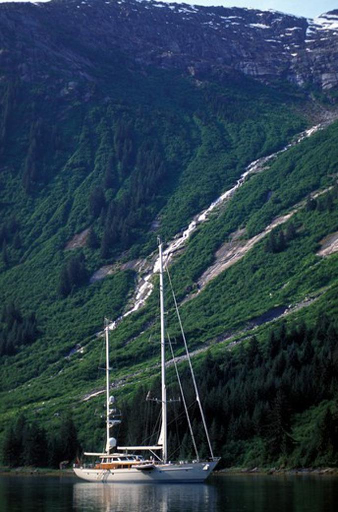 118ft S&S designed superyacht, 'Timoneer' in Fords Terror, Endicott Arm, south east Alaska. : Stock Photo
