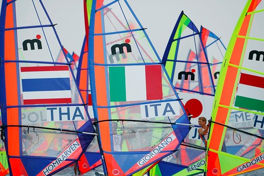 Windfurf sails at the start of the men's windsurf mistral, Olympic Games 2004, Athens, Greece. 15th August 2004. : Stock Photo