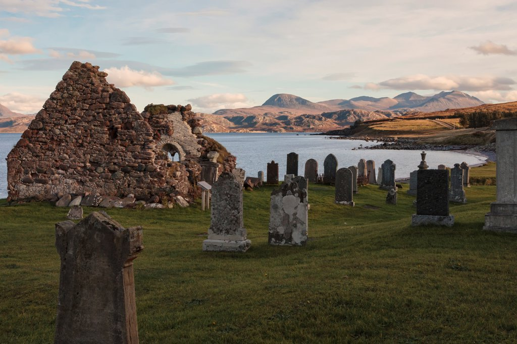 Ruins of a church and cemetery, Church of Scotland, Sand Laide, Scotland : Stock Photo