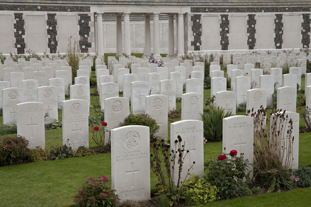 Tombstones in a cemetery, Tyne Cot Commonwealth War Graves Cemetery and Memorial, Ypres, Belgium : Stock Photo