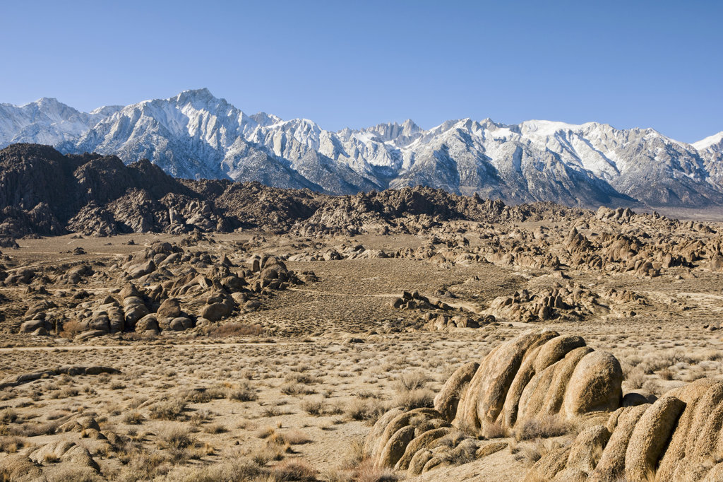 Stock Photo: 4116-635 USA, California, Alabama Hills and High Sierra