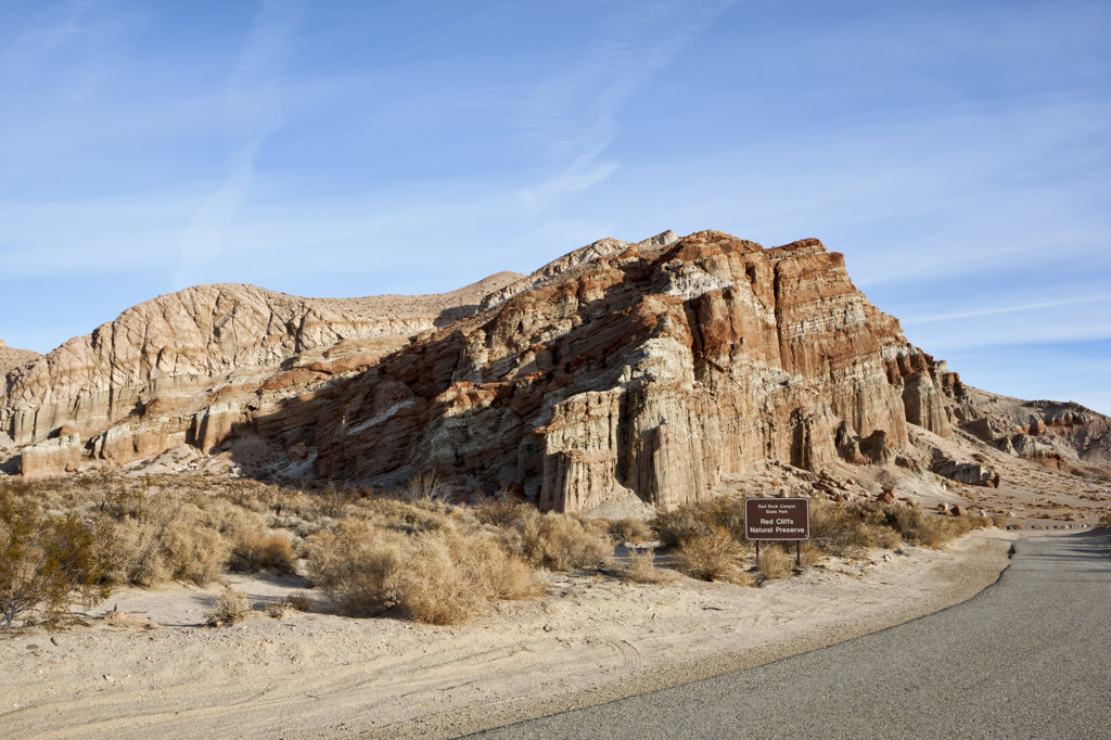 Stock Photo: 4116-649 USA, California, Red Rock Canyon, mudstone cliffs