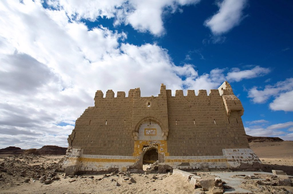 Photograph of an ancient castle in the Jordanian desert : Stock Photo