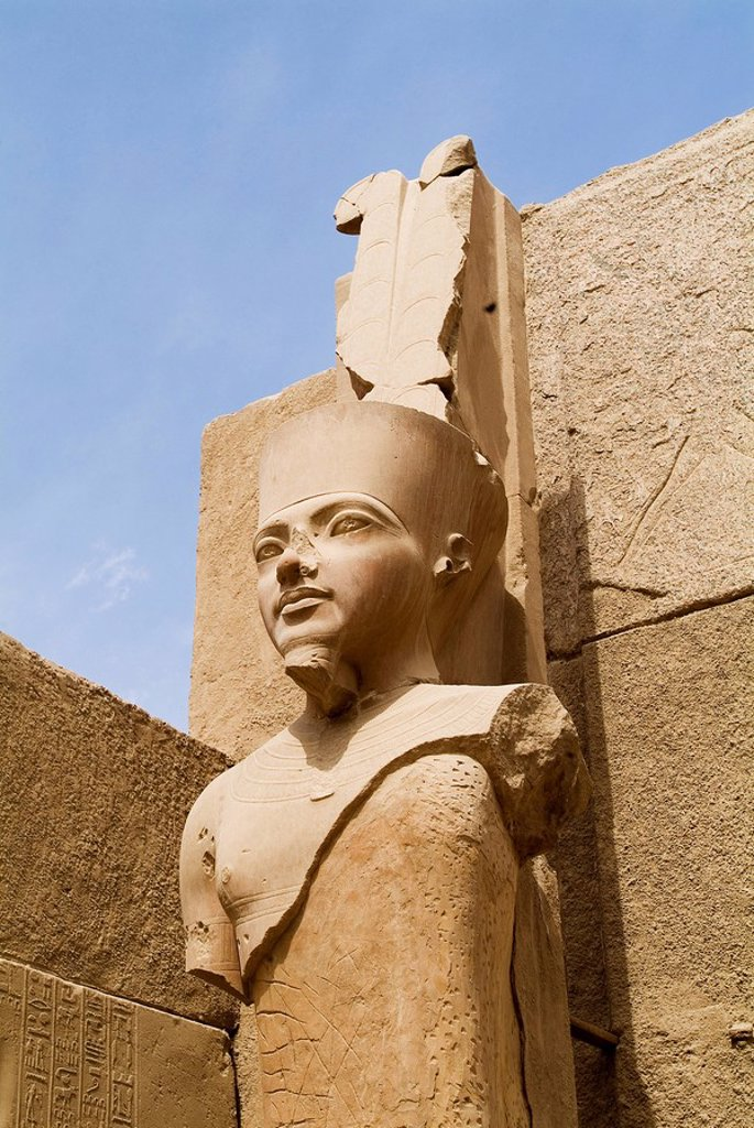 Photograph of the ruins of the Egyptain temple in Luxor : Stock Photo