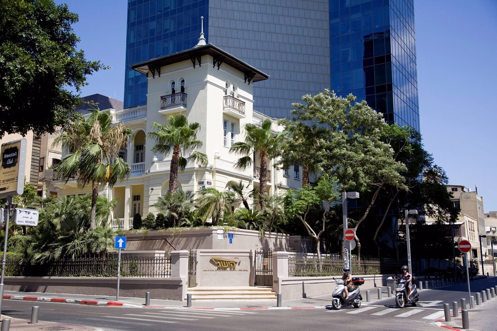 Stock Photo: 4119-9632 Old vs new at the Rothschild boulevard in central Tel Aviv