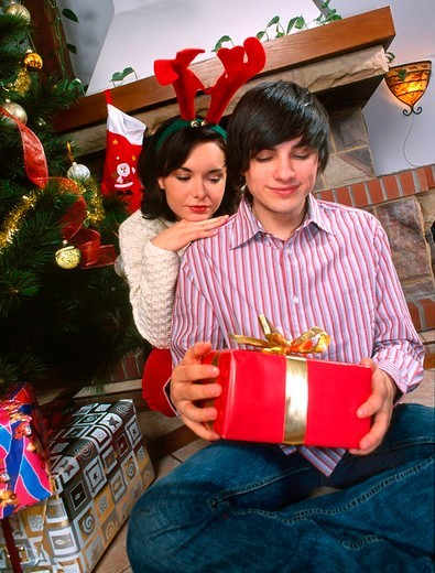 Stock Photo: 4123-14115 Couple with gift