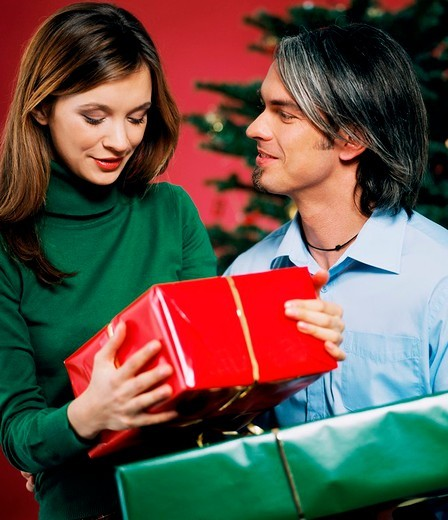 Stock Photo: 4123-21467 Couple with gifts