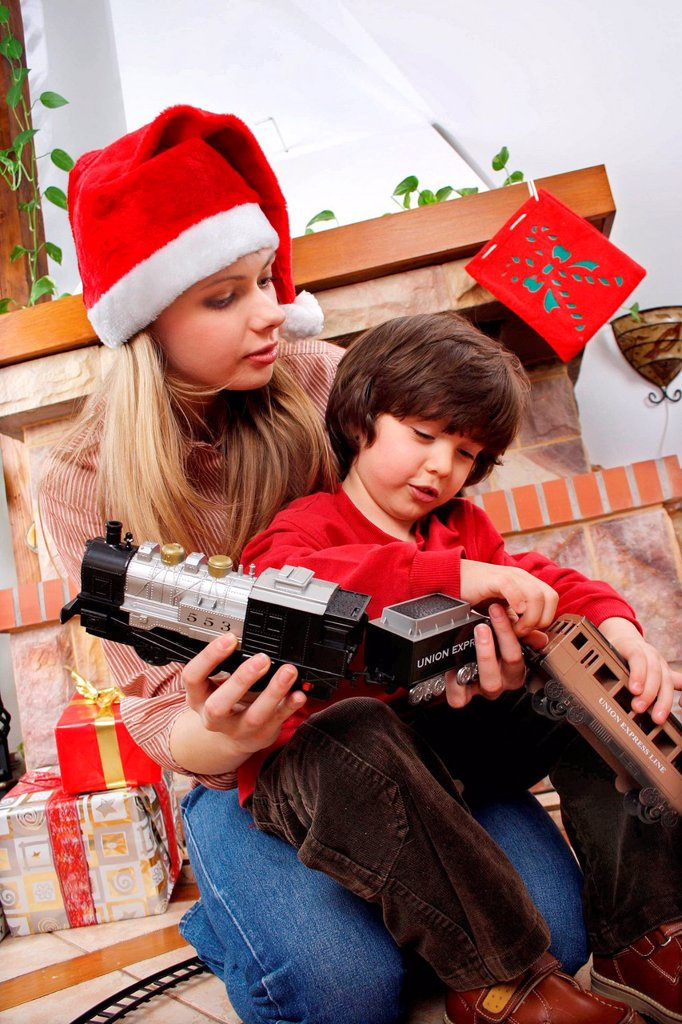 Stock Photo: 4123-38249 Siblings on Christmas Eve.