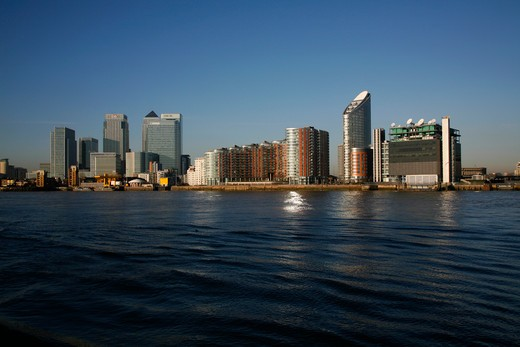 Buildings at waterfront, Thames River, New Providence Wharf, Canary Wharf, Docklands, London, England : Stock Photo
