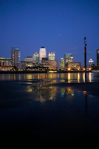Office buildings at waterfront viewed from Rotherhithe, Thames River, Canary Wharf, London, England : Stock Photo