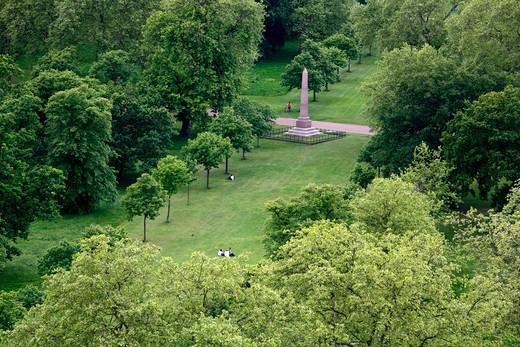 Aerial view of Speke's Monument in Kensington Gardens, London, UK : Stock Photo