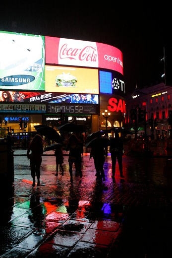 Heavy rain in Piccadilly Circus, London, UK : Stock Photo