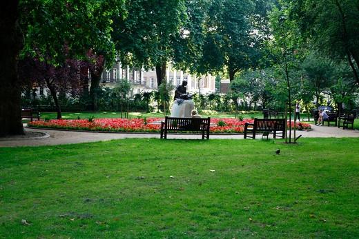 Statue of Mahatma Gandhi in Tavistock Square, Bloomsbury, London, England : Stock Photo