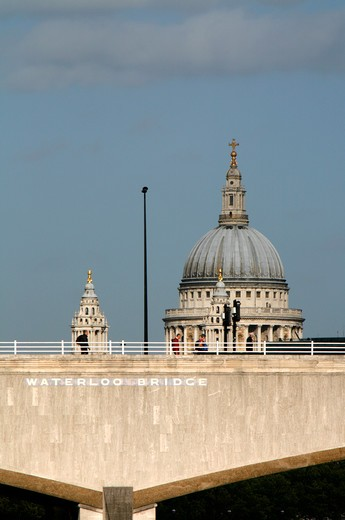 UK, London, Looking across Waterloo Bridge to St. Paul's Cathedral : Stock Photo