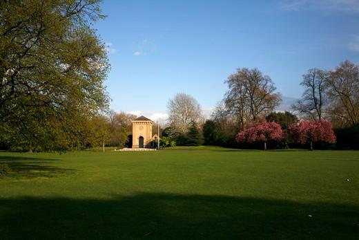 UK, London, Battersea, Pump House Gallery in Battersea Park : Stock Photo