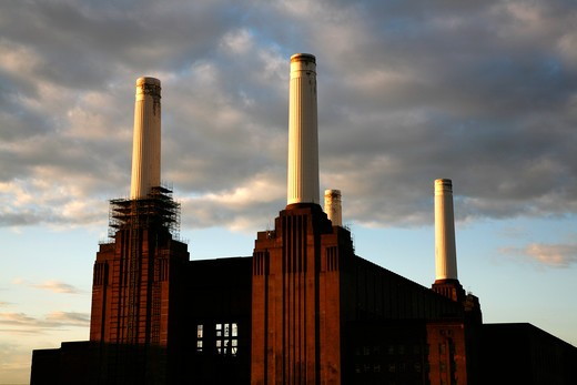 UK, London, Battersea, Battersea Power Station : Stock Photo