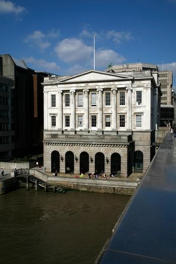 UK, London, City of London, Fishmongers Hall on banks of River Thames : Stock Photo