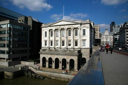 UK, London, City of London, Looking over side of London Bridge to Fishmongers Hall : Stock Photo