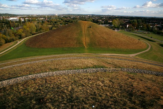 UK, London, Northolt, Northala Fields, Conical earth mounds were created from spoil of building new Wembley Stadium and Westfield Shopping Centre : Stock Photo