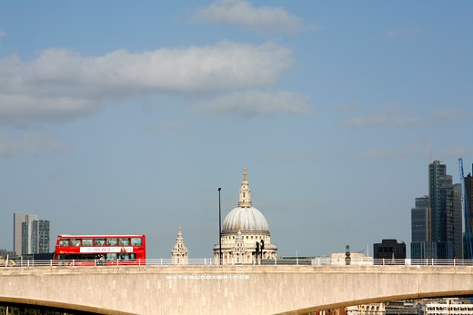UK, London, Bus crossing Waterloo Bridge in front of St. Paul's Cathedral : Stock Photo