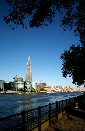 View up the River Thames to the Shard, More London development and London Bridge, London, UK : Stock Photo