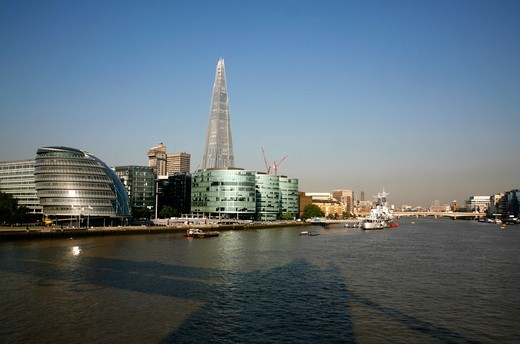View up the River Thames to City Hall, More London, the Shard and London Bridge, London, UK : Stock Photo