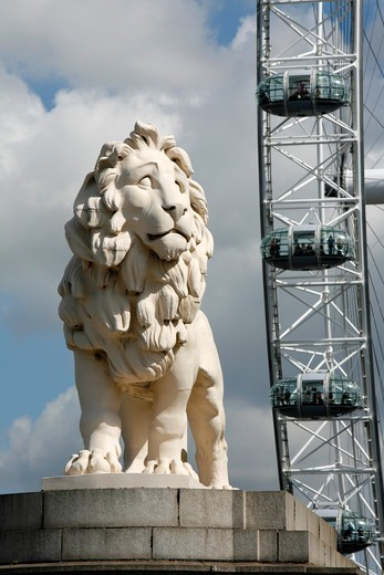 South Bank Lion in front of the London Eye, South Bank, London, UK : Stock Photo
